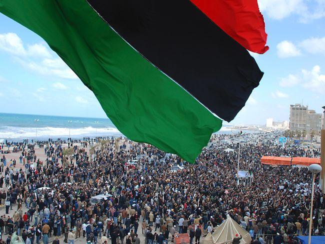 810223-libya-protests1