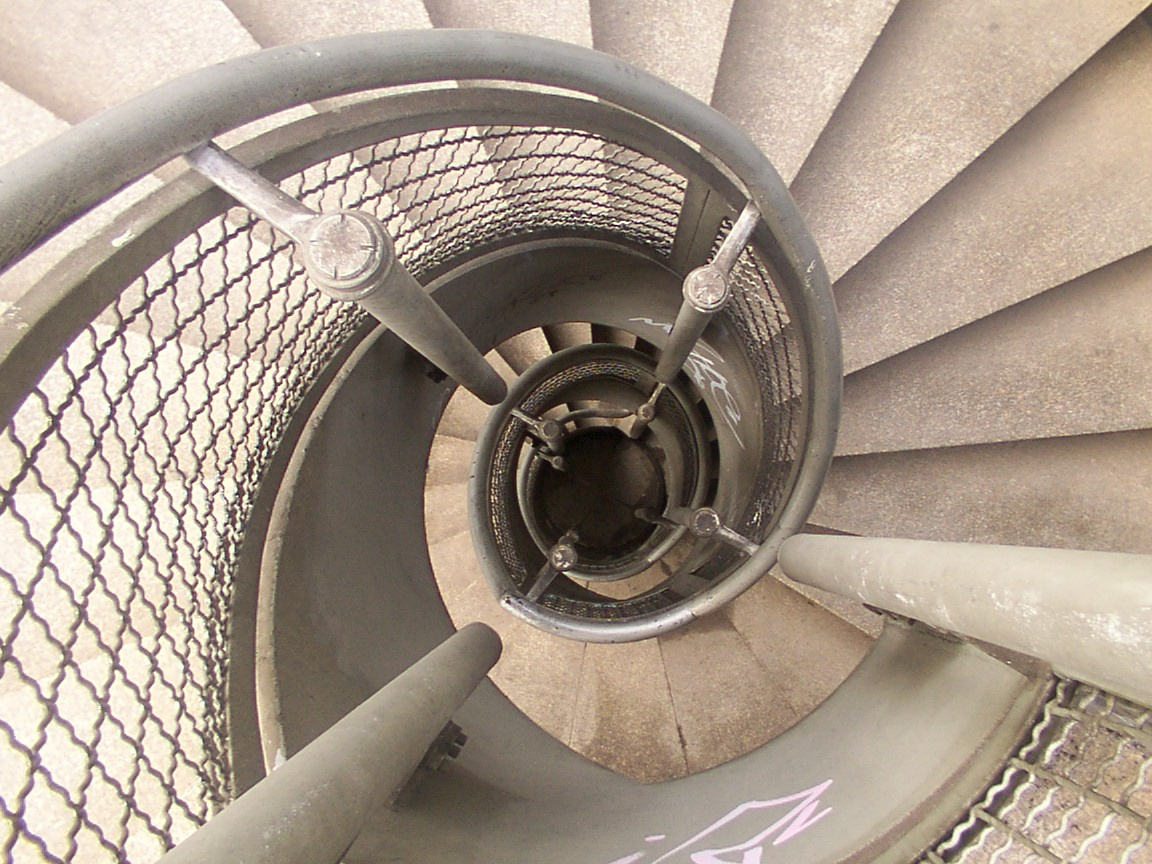 Cologne_spiral_staircase1