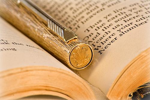book-pen1